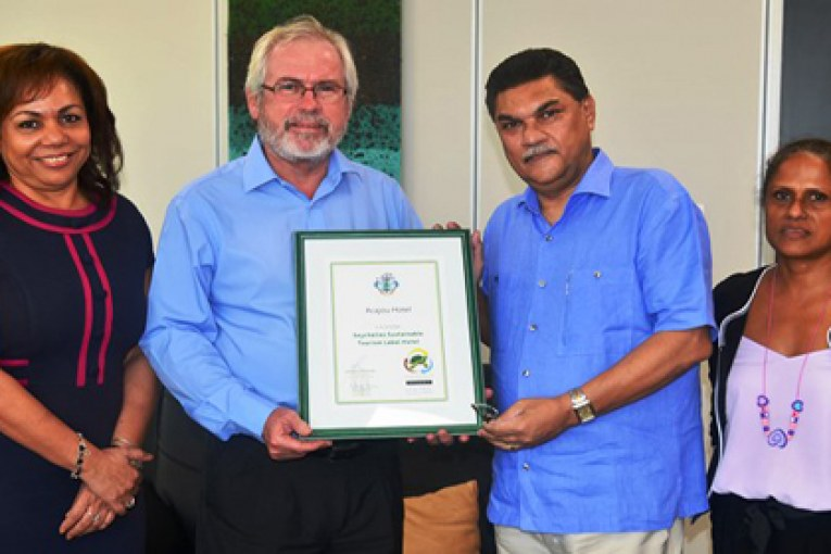 Another certified green hotel for Praslin: Acajou Beach Resort obtains Seychelles Sustainable Tourism Label
