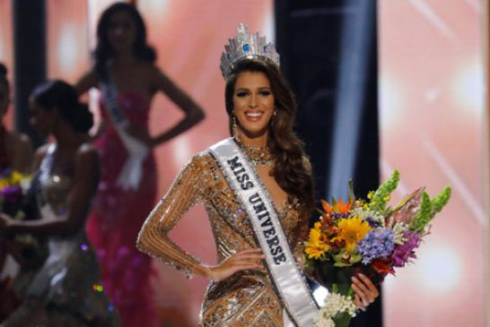 Miss France Iris Mittenaere poses after being declared winner in the 65th Miss Universe beauty pageant at the Mall of Asia Arena, in Pasay, Metro Manila