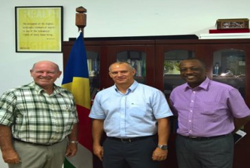 Seychelles Labor Union meets Minister of Health and Stevedore Workers